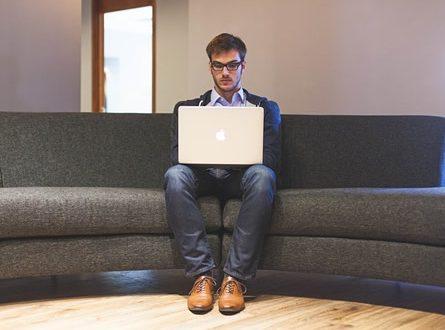 Existenzgruender 445x330 - dienstleister-im-netz.de – Blog für Dienstleister und Existenzgründer