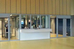 Umfassende Sicherheit mit zertifiziertem Profilsystem – ergänzt um Fenster und Trennwände